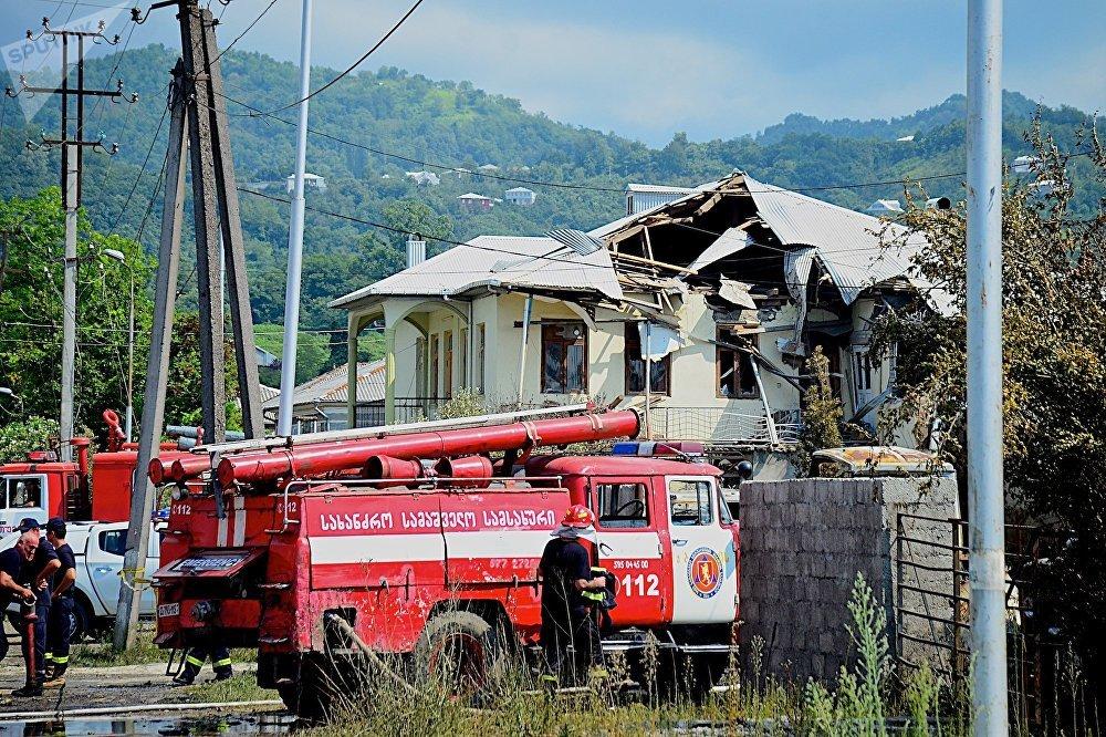 Один из разрушенных в результате взрыва на газозаправочной станции в Батуми жилой дом