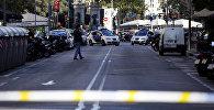 Полиция на месте наезда на людей в Барселоне