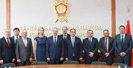 Главный прокурор Грузии Ираклий Шотадзе и генеральный прокурор Беларуси Александр Конюк