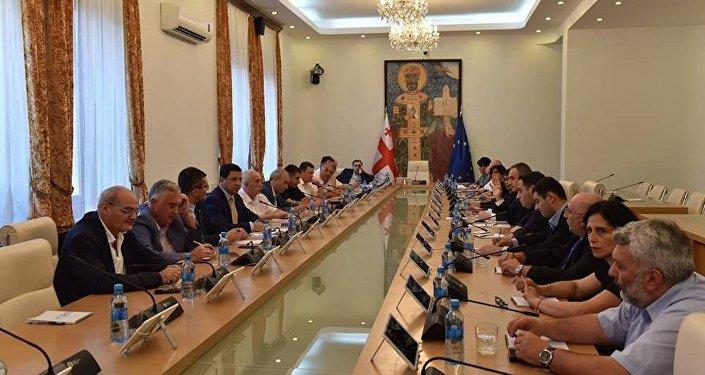 Встреча парламентского большинства и оппозиции