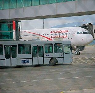 Самолет арабской бюджетной авиакомпании Air Arabia в Тбилисском аэропорту