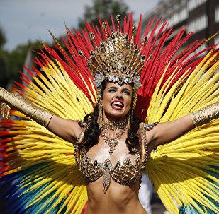 მოცეკვავე კარნავალი ნოტინგ-ჰილის მთავარ დღეს დასავლეთ ლონდონში