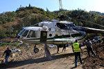 Вертолет Ми-8 пограничной полиции МВД Грузии, который упал в воду во время тушения пожара в Боржоми-Харагаульском лесу