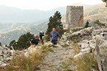 Глава правительства Аджарии Зураб Патарадзе на территории средневековой крепости Хихани