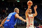 Заза Пачулия в ходе матча между сборными Грузии и Италии по баскетболу