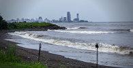 Последствия шторма на Черном море: как выглядит берег в Батуми