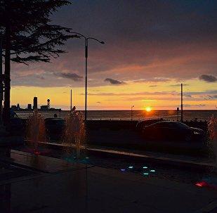 Вид на Черное море и побережье Батуми на закате