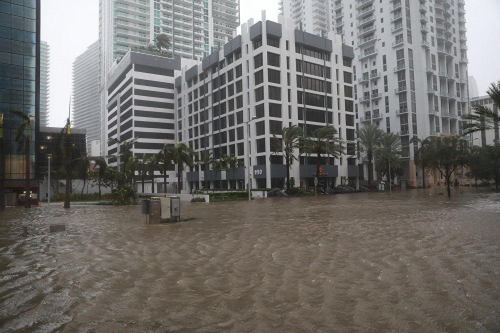 ქარიშხალი ირმას შედეგები მაიამიში - მაიამის დატბორილი ქუჩები