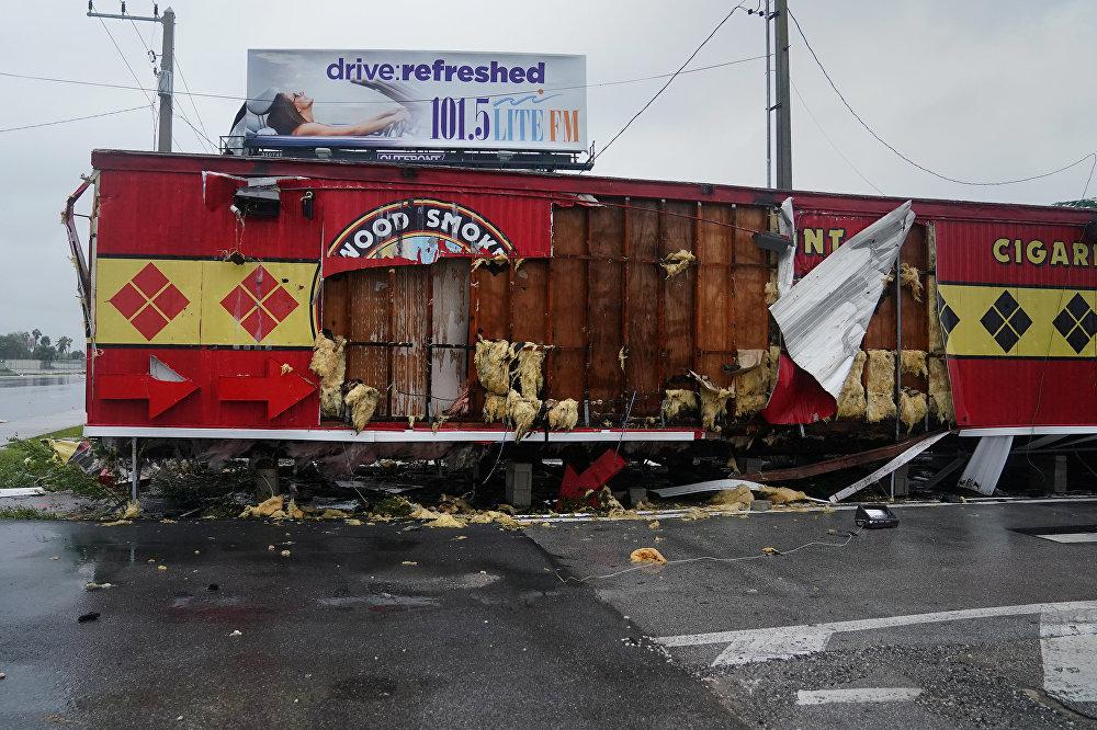 ქარიშხალი ირმას შედეგად განადგურებული ერთ-ერთი მაღაზიის შენობა ფორტ-დოდერდეილში, ფლორიდას შტატი