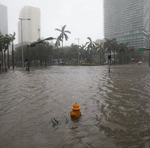 Затопленные улицы в центре Майами после урагана Ирма