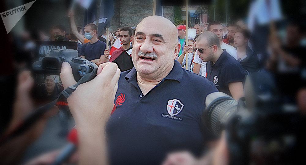 Один из основателей движения марш грузин, известный грузинский певец Гия Коркоташвили