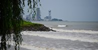 Вид на Батуми и побережье Черного моря после шторма