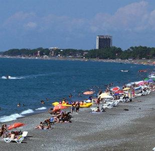 სექტემბერში ქობულეთის სანაპიროებზე კვლავ მრავალი დამსვენებელია
