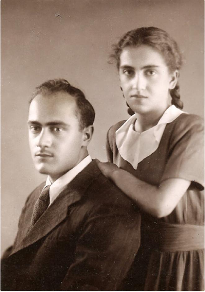 Мераб Мамардашвили с сестрой Изой, Тбилиси, 1951 год