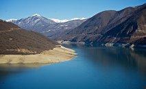 Жинвальское водохранилище у Военно-Грузинской дороги