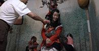 Официанты-макаки: новое развлечение в одном из японских баров