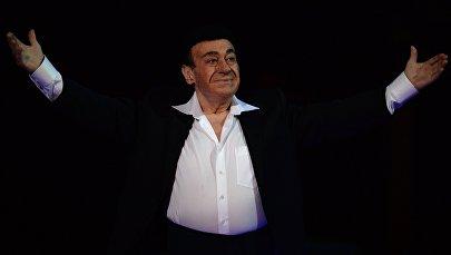 Оперный певец Зураб Соткилава выступает на гала-концерте Оперный бал Елены Образцовой в Государственном Академическом Большом Театре в Москве