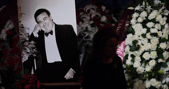 На церемонии прощания с оперным певцом Зурабом Соткилавой в историческом здании Большого театра в Москве