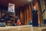 В Тбилиси вспомнили поэта Евгения Евтушенко
