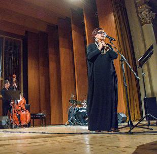 თბილისში პოეტი ევგენი ევტუშენკოს იუბილისადმი მიძღვნილი შემოქმედებითი საღამო გაიმართა