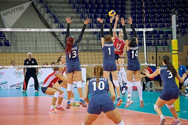 Матч между сборными Грузии и Хорватии в рамках чемпионата Европы по волейболу среди женщин