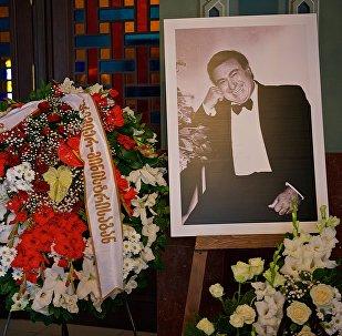Панихида по Зурабу Соткилава в большом зале тбилисского театра оперы и балета