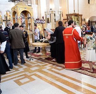 Верующие в Тбилиси смогли поклониться мощам царицы Кетеван