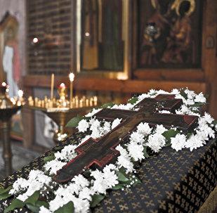 Животворящий Крест Господень в приалтарной части Спасского собора