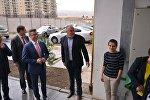 Спецпредставитель ПА ОБСЕ на Южном Кавказе Кристиан Вигенин навестил вынужденных переселенцев в коттеджном поселке Олимпийская деревня в Тбилиси