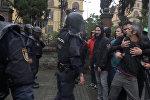 Как проходил референдум в Каталонии: кадры столкновений с полицией