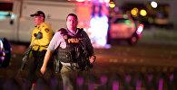 Представители полиции на месте стрельбы в Лас-Вегасе