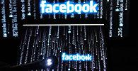 Логотип социальной сети Фейсбук на экране компьютера