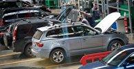 Машины на ремонте в автосервисе Tegeta Motors