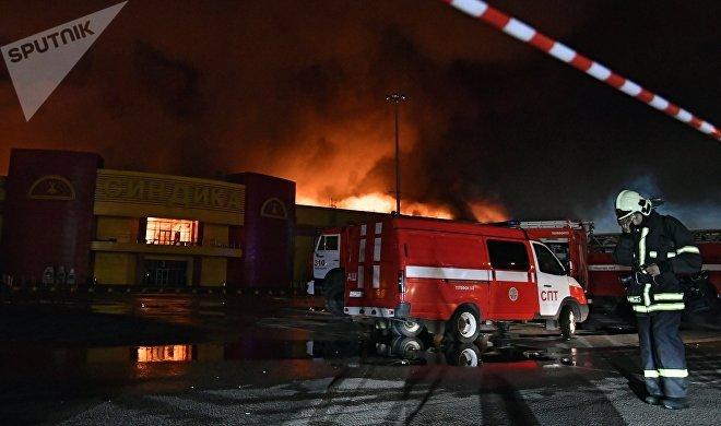 На стоянке  «Синдики» взорвались машины— Пожар наМКАДе