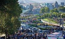 Вид на парк Рике и площадь Европы в центре Тбилиси во время празднования дней города Тбилисоба