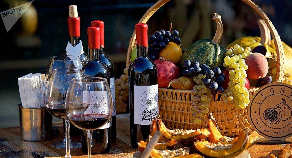 ქართული ღვინო, ტკბილეულობა და ხილი