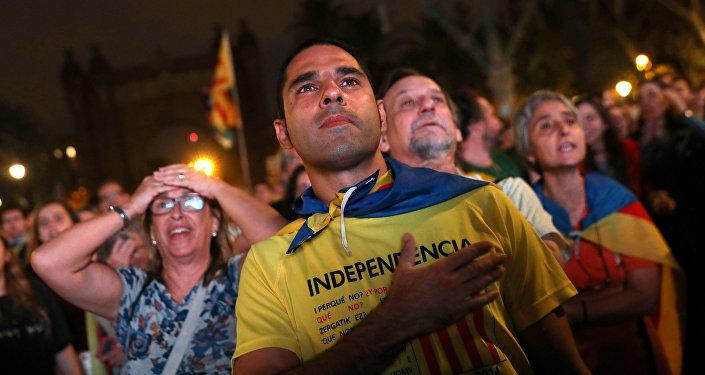 Руководитель  Каталонии подписал декларацию онезависимости— Отделение отИспании