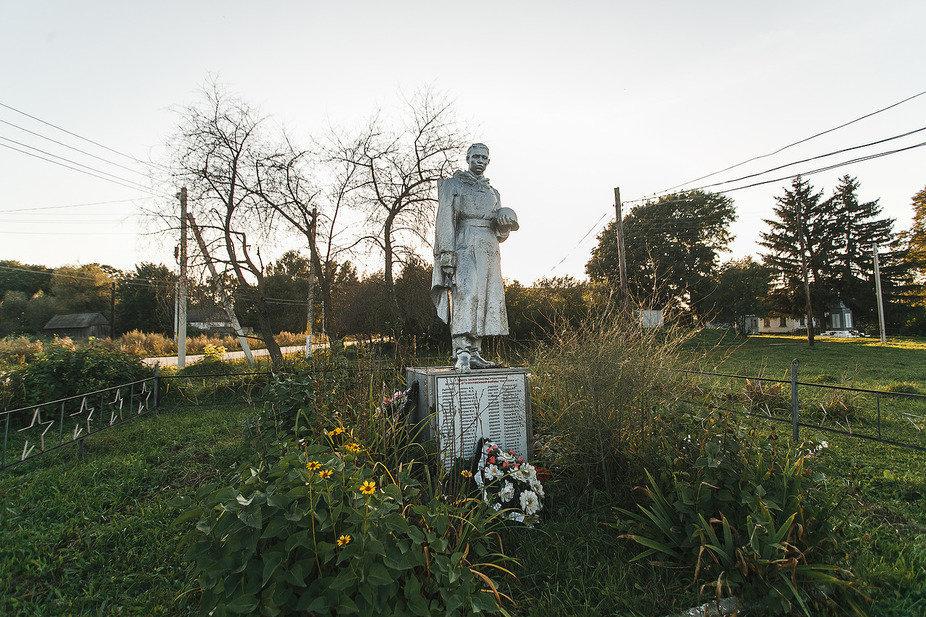 Памятник героям, павшим в годы Великой Отечественной войны, в селе Архангельское
