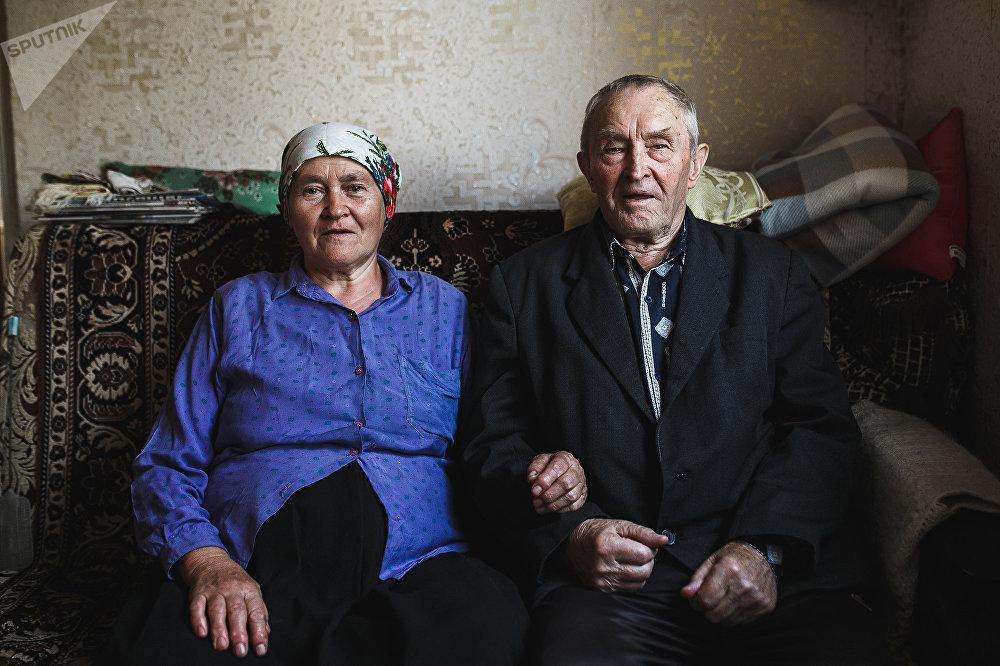 Бывшие гореловцы, теперь архангельцы  Любовь и Алексей Батурины у себя дома