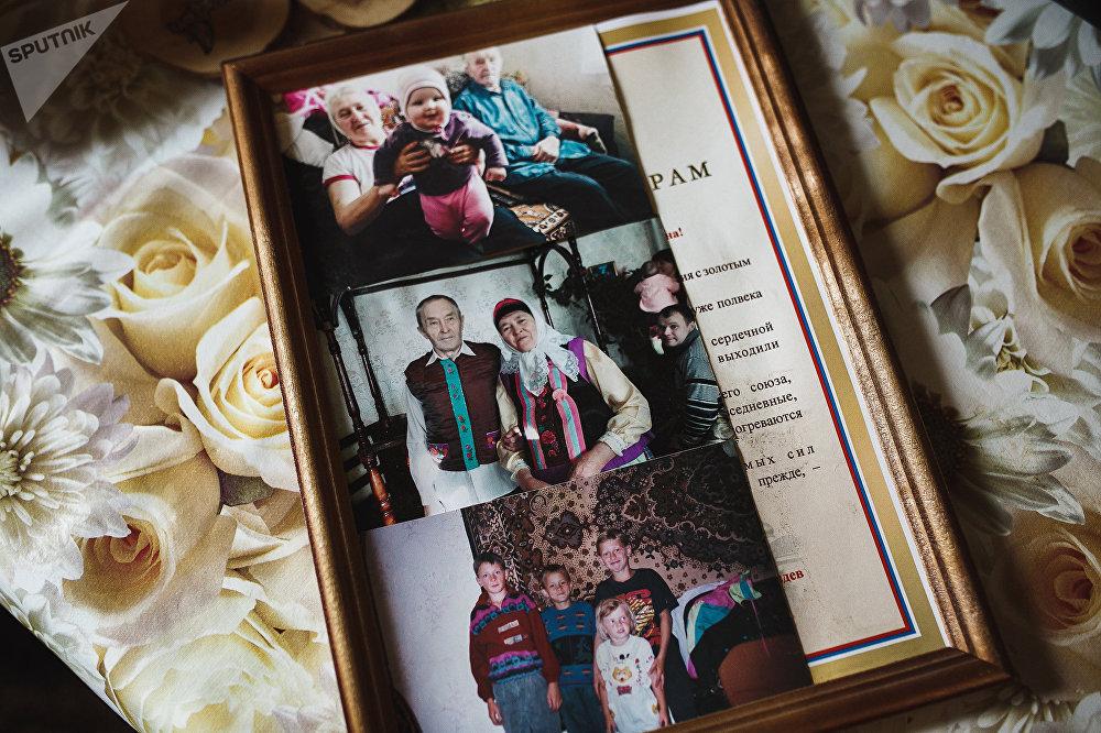 Семейные фотографии Батуриных. В центре - годовщина свадьбы Алексея и Любови