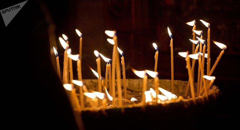 სანთლები სვეტიცხოვლის ტაძარში