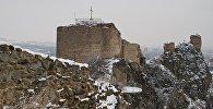 Стены крепости Нарикала, возвышающиеся над Тбилиси, и сейчас сохраняют величественный вид, несмотря на разрушения