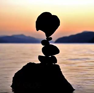 """ვიდეოკლუბი: """"ჟღერს ქვის ჰარმონია..."""" - მაიკლ გრაბის ქვის ბალანსირების ხელოვნება"""
