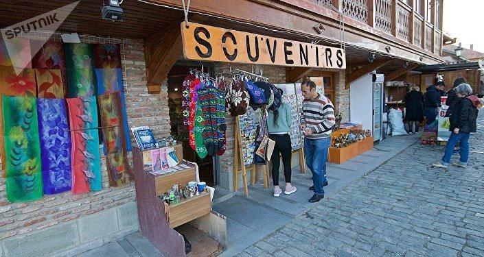 Сувенирный магазин на одной из центральных улиц города Мцхета