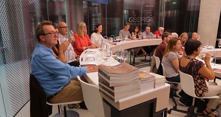 Дегустация грузинского вина в Международном центре цивилизации вина в Бордо