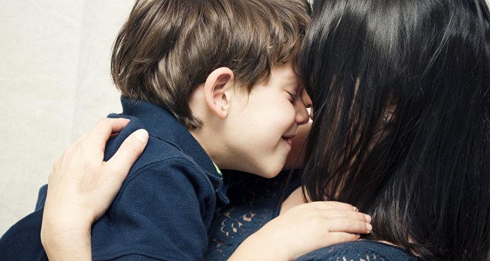 დედა თავის ვაჟთან ერთად