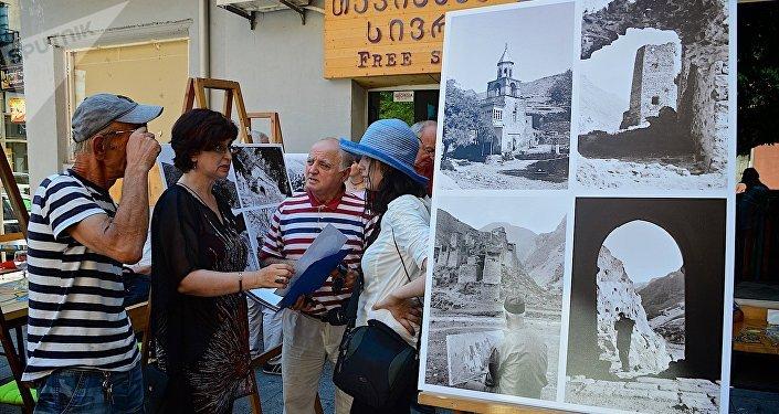 Выставка фотографий Ираклия Зенько в городе Батуми
