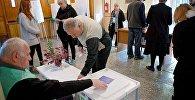 Жители столицы Грузии участвуют в выборах в местные органы власти