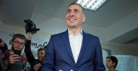 Алеко Элисашвили на избирательном участке