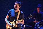 Британский музыкант Крис Ри выступает на концерте в Крокус Сити Холле